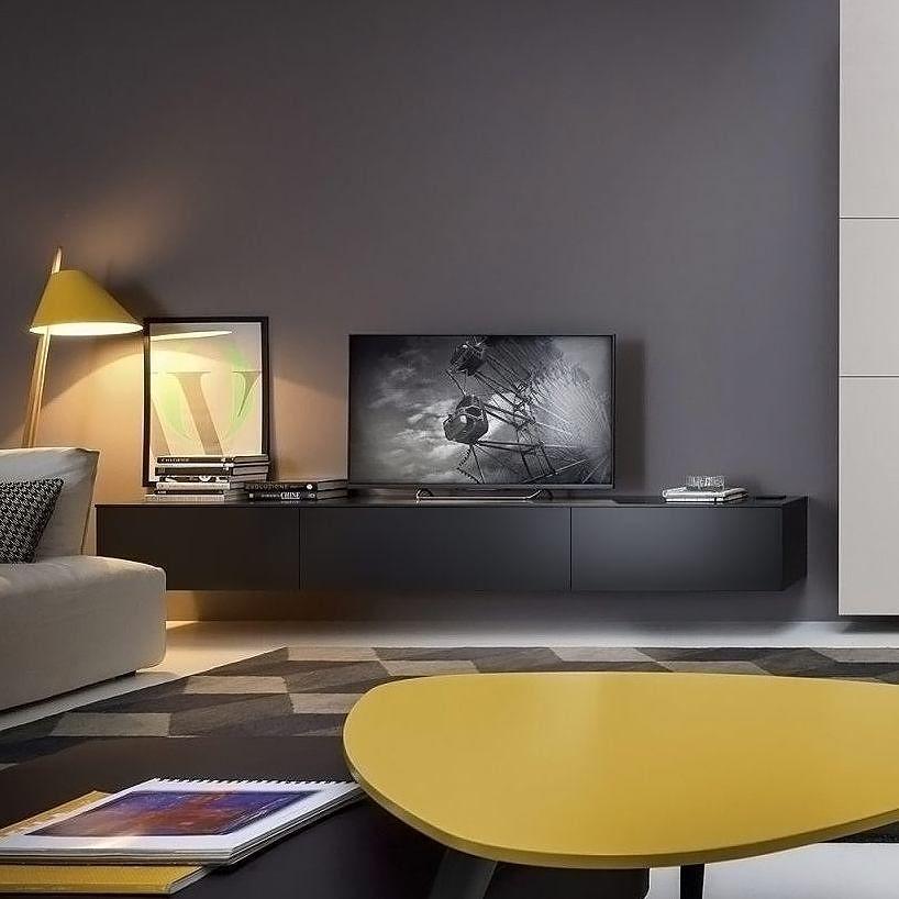 Das Box Lowboard vom italienischen Hersteller Novamobili fügt sich - wohnzimmer und küche zusammen