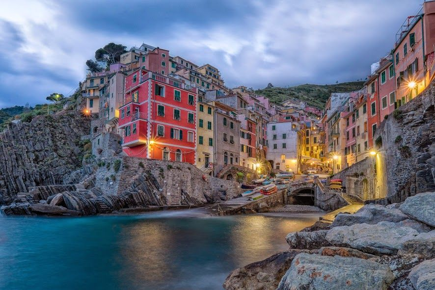 Brilliant evening view :)  #evening #niceview #rcdrone #colorsplash #colorstreetpics #photography #cinqueterre   The Home of Insanely Cool Drones! http://www.coolrcdrones.com/