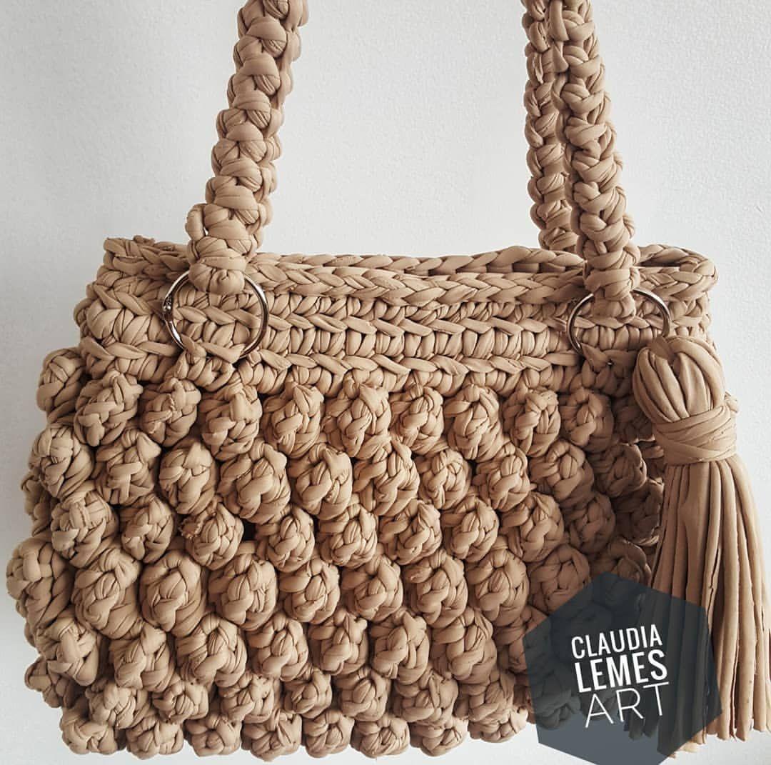 Olha que bolsa linda !!! Amo fazer esse modelo !!! Essa cor tb ... 477be4b7da