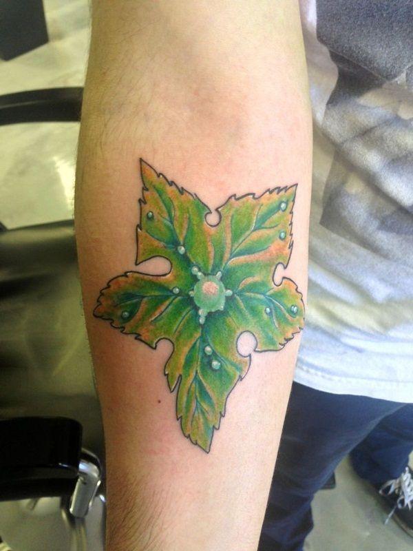 40 Amazing Leaf Tattoo Design Ideas Tattoos Star Tattoos Star Tattoo Designs