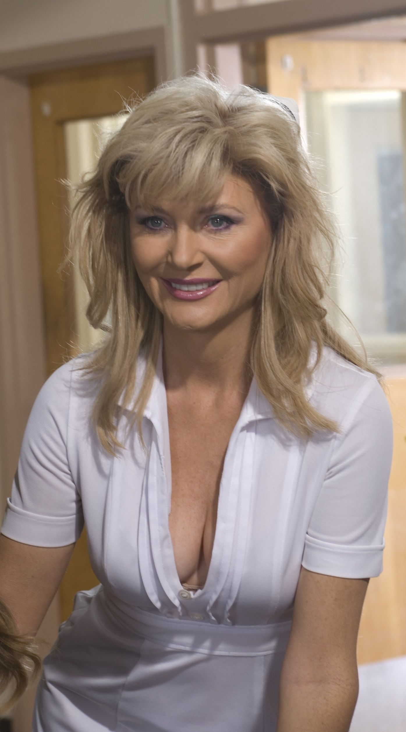 Jennifer Coolidge Xxx Awesome beth-broderick-beth-broderick-29883639-1395-2515 (1395×2515