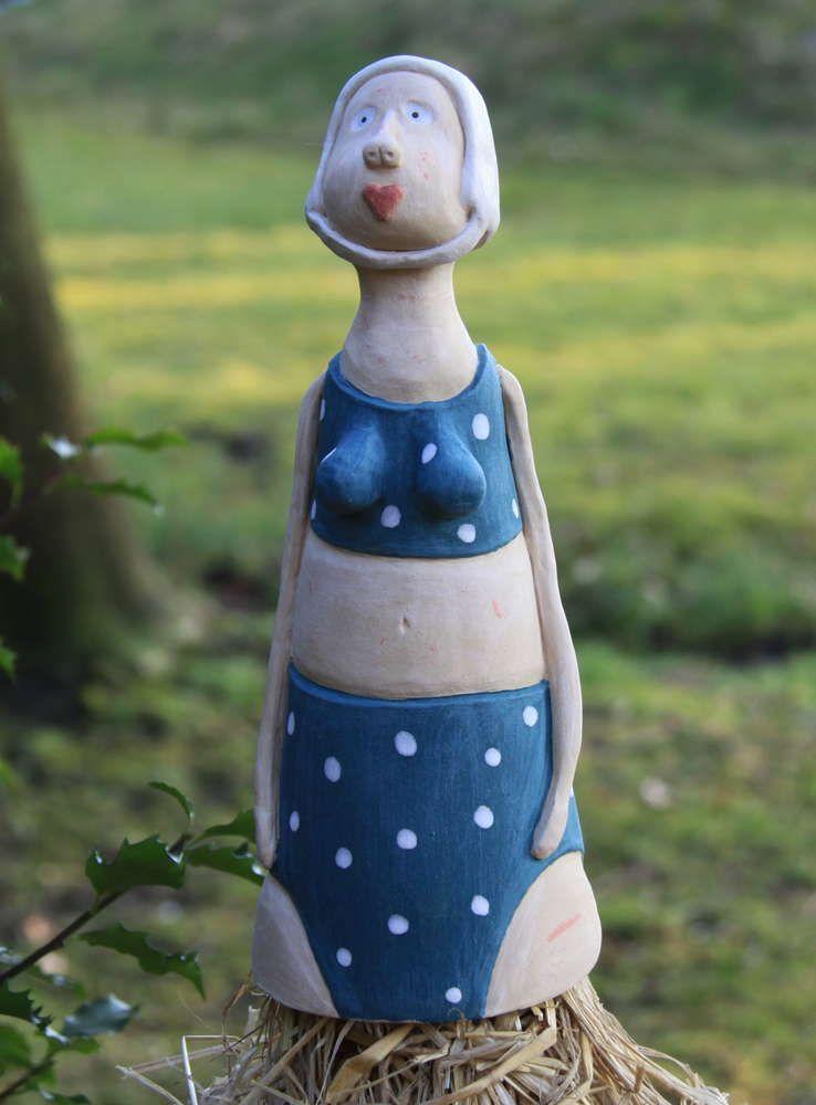 Keramik zaunhocker wilma freut sich auf den sommer for Gartenskulpturen aus ton