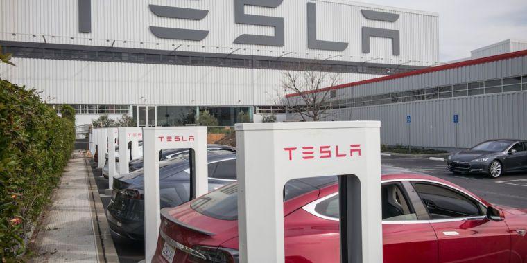 Tesla Will Money In On Surging Inventory Value With 5 Billion Inventory Sale Tesla Tesla Factory Tesla Model