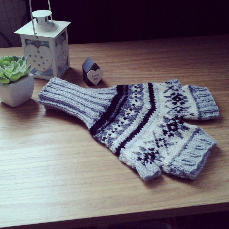 Fair Isle fingerless gloves, from a Drops Design pattern. S.J. ...