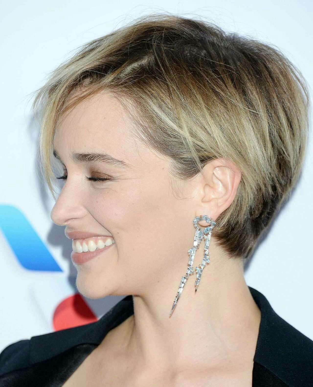 Emilia Clarke Short Hair Styles Hair Styles Short Hair With Layers