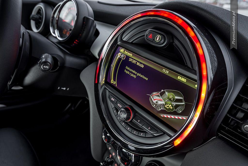 Mini Cooper S F56 display. mini cooper Samochody