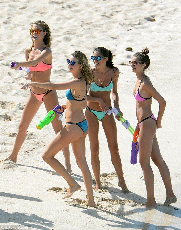 Download query amateur bikini teens