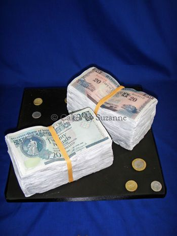 How do I...Money cake with edible dollar bills?