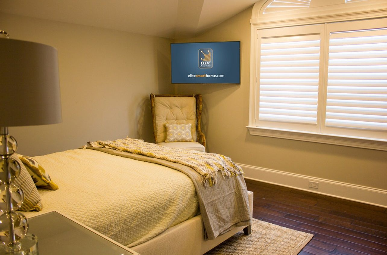 When And How To Place Your TV In The Corner Of A Room | Corner tv ...