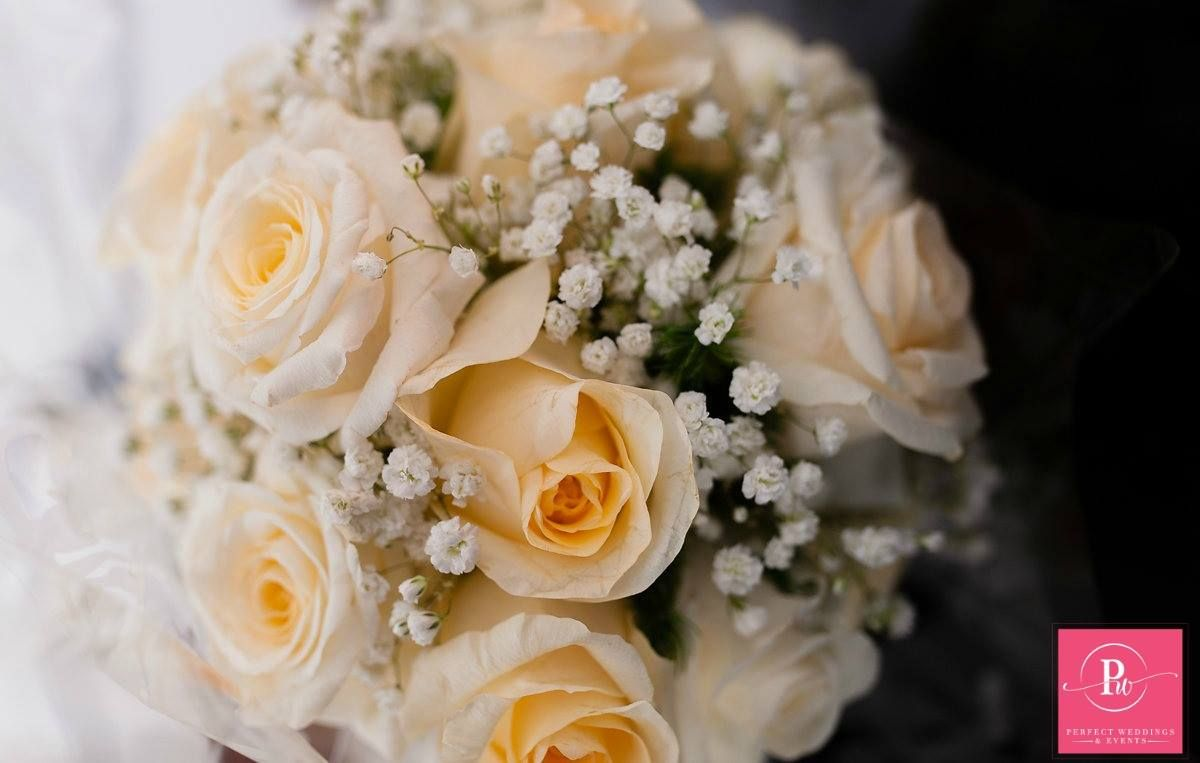 Bridal flowers done by daisys flower shop perfect wedding bridal flowers done by daisys flower shop izmirmasajfo