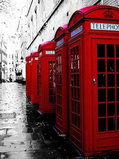 Een foto van de bekende, rode telefooncellen mag tijdens een tripje naar #Londen natuurlijk niet ontbreken! Maak hem in stijl met een Britse vlag #hoesje om je telefoon. http://www.smartphonehoesjes.nl/design-tpu-siliconen-hoesje-samsung-galaxy-s4-min-6865395.html