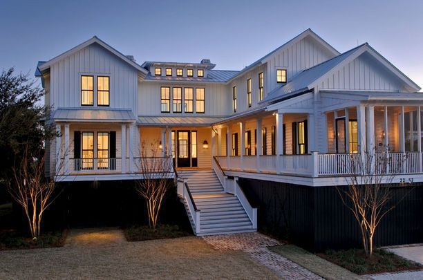 I want a modern beach home with a wrap around porch with for Beach house designs with wrap around porch