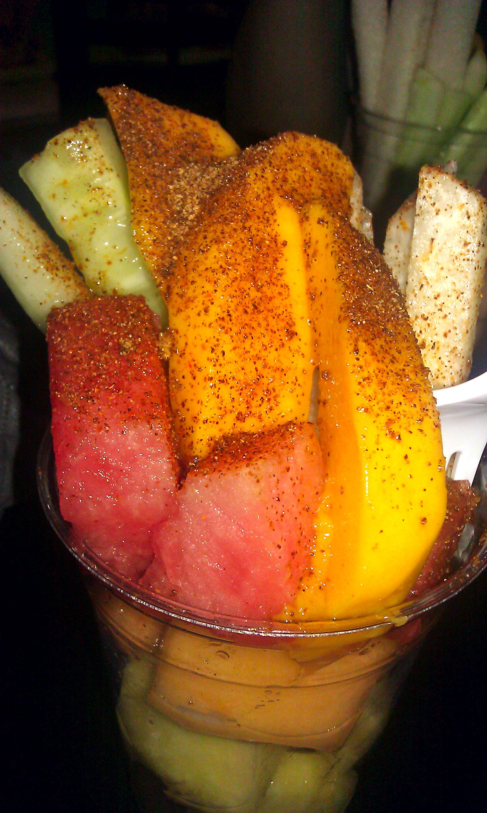 Fruta con chile y limon jicama sand a pepino y mango for Cocktail de fruit