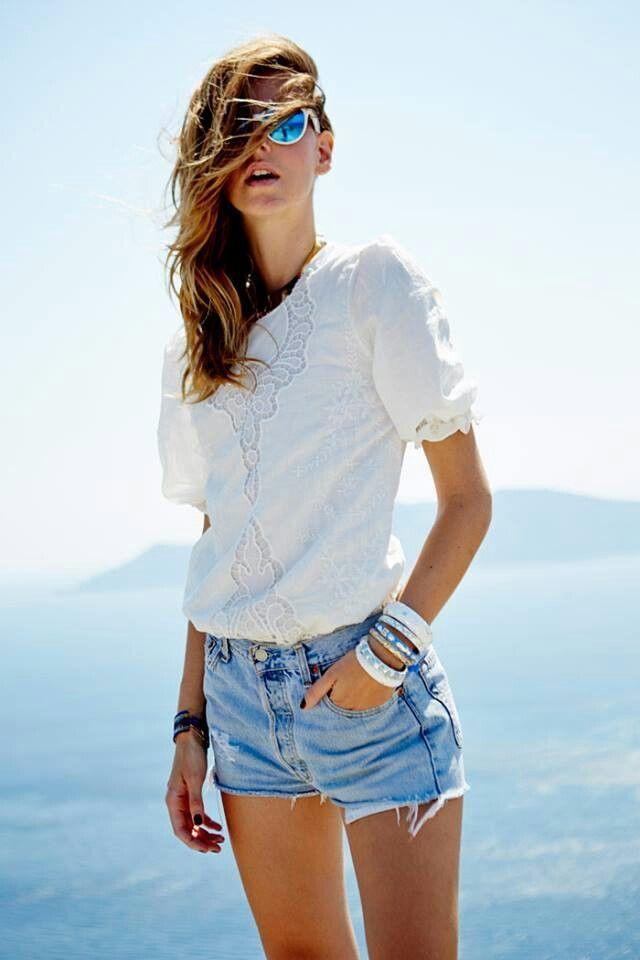 Egal Ob Du Formelle Oder Legere Looks Magst Heute Bringe Ich Deine Aufmerksamkeit Auf Eine Tolle Z Modestil Denim And Lace Weisse Hemden Frauen