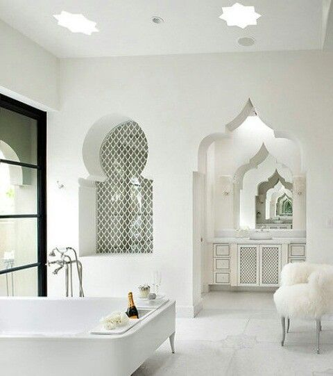 Moroccan Luxury Bathroom Design With Traditional Shape Windows And