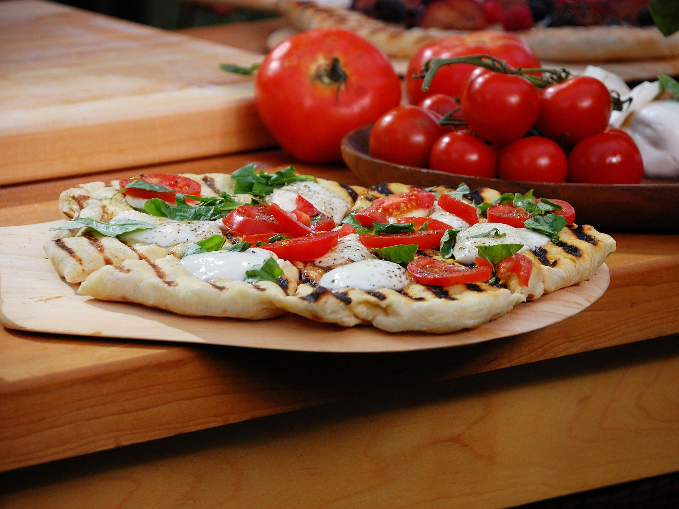 Bobby Flay's Margherita Pizza Recipe Food network