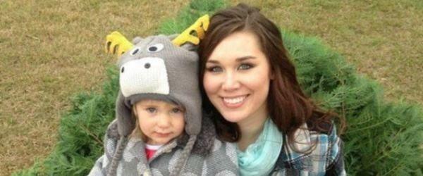 Chelsi Camp viu a bebé de 2 anos a ser atacada por pitbull e não hesitou: mordeu o cão