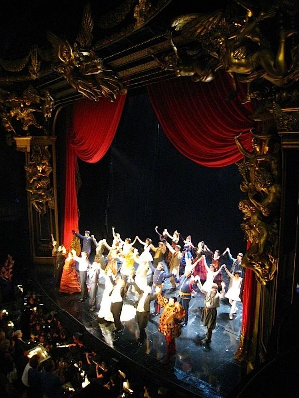 Curtain Call In Broadway Hugh Panaro Marni Raab Kyle Barisich And Michele Mcconnell With Images Phantom Of The Opera Theatre Life Musical Theatre