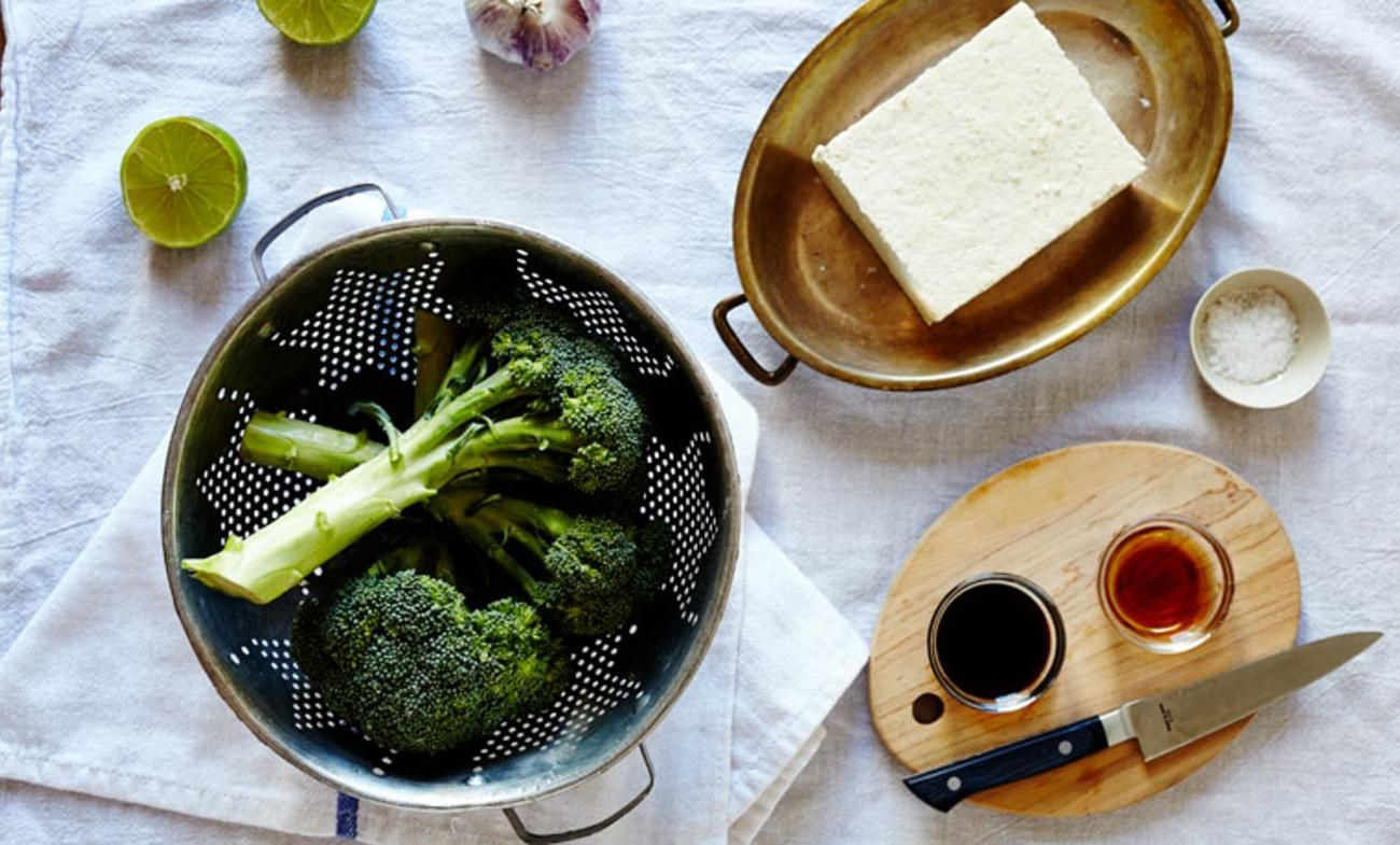 On the Menu: Spicy Tamari Tofu & Broccoli. A healthier twist on our favorite take out dish? Yes, please! This spicy tamari tofu & broccoli recipe will have you throwing out those to-go menus.