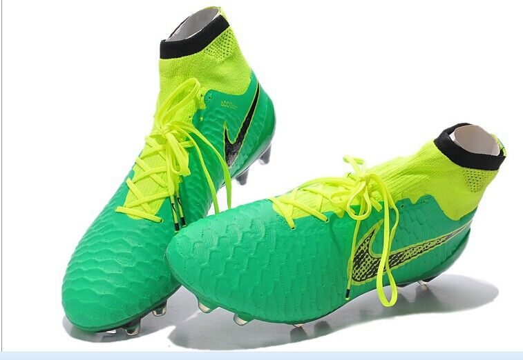 ce19c9faa green ronaldo version Of Magista Soccer Shoes