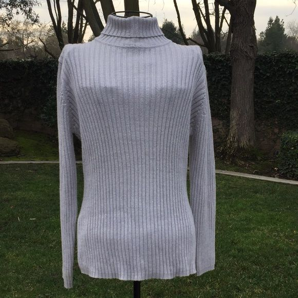 Ribbed Silver Turtleneck Sweater Gently used ribbed turtleneck ...