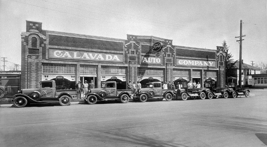 Calavada Auto Company 35 East Fourth Street Circa 1930 This Is Trade In Day For Model Dairy Swapping Its Ford Model T Pi Reno Tahoe Nevada Service Station