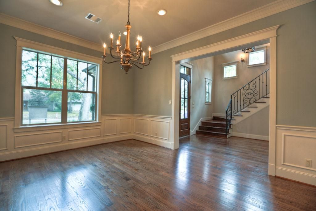 color in the dining room and molding around doorways | For the ...