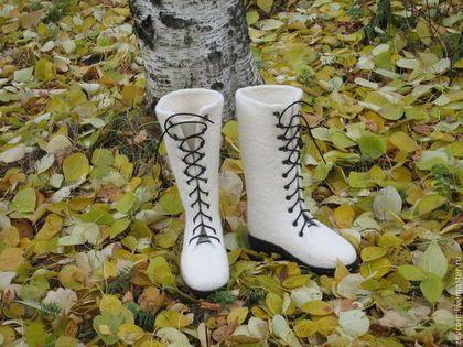 """Обувь ручной работы. Валяные ботинки """"Первый снег"""". Зинаида Коваленко. Ярмарка Мастеров. Валенки ручной работы, обувь на заказ"""