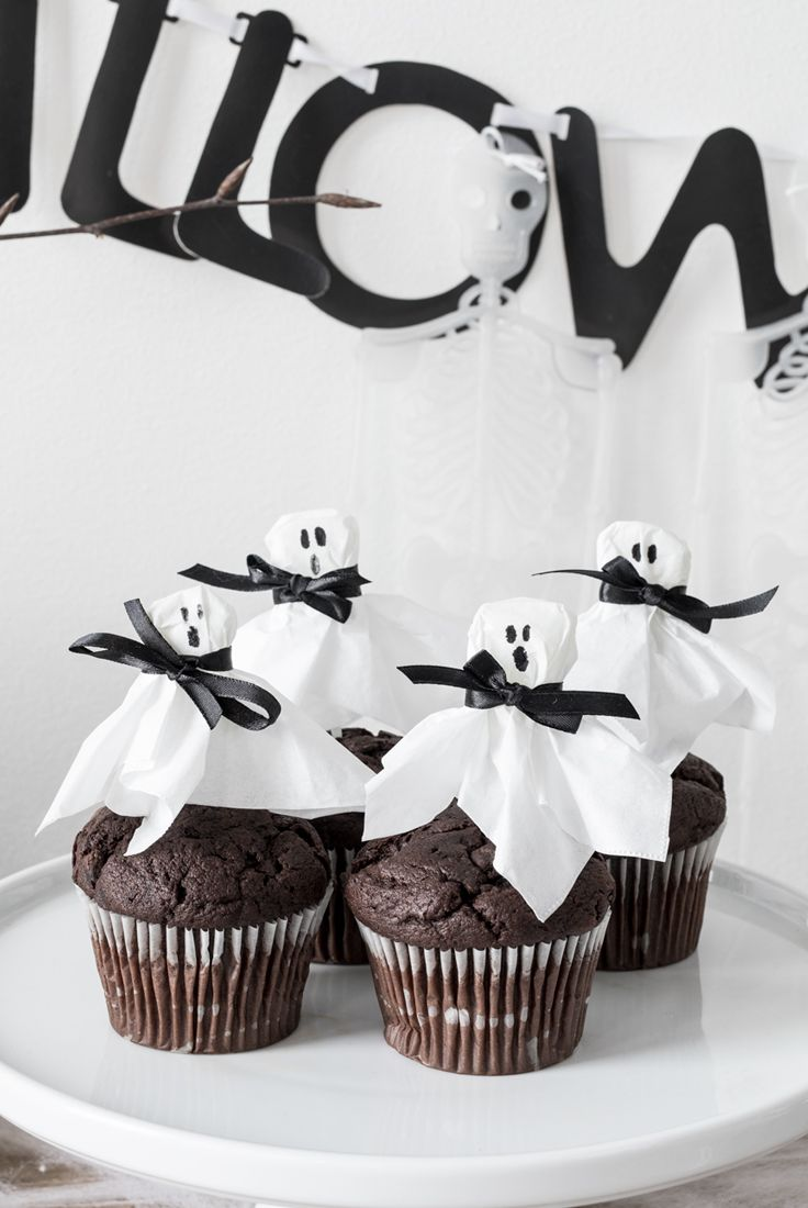 DIY halloween party idea. Make your own cake toppers from homemade ...