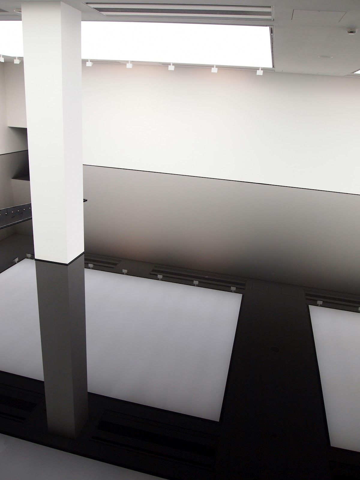 Richard Wilson | Site Specific Oil Installation / Saatchi Gallery _London