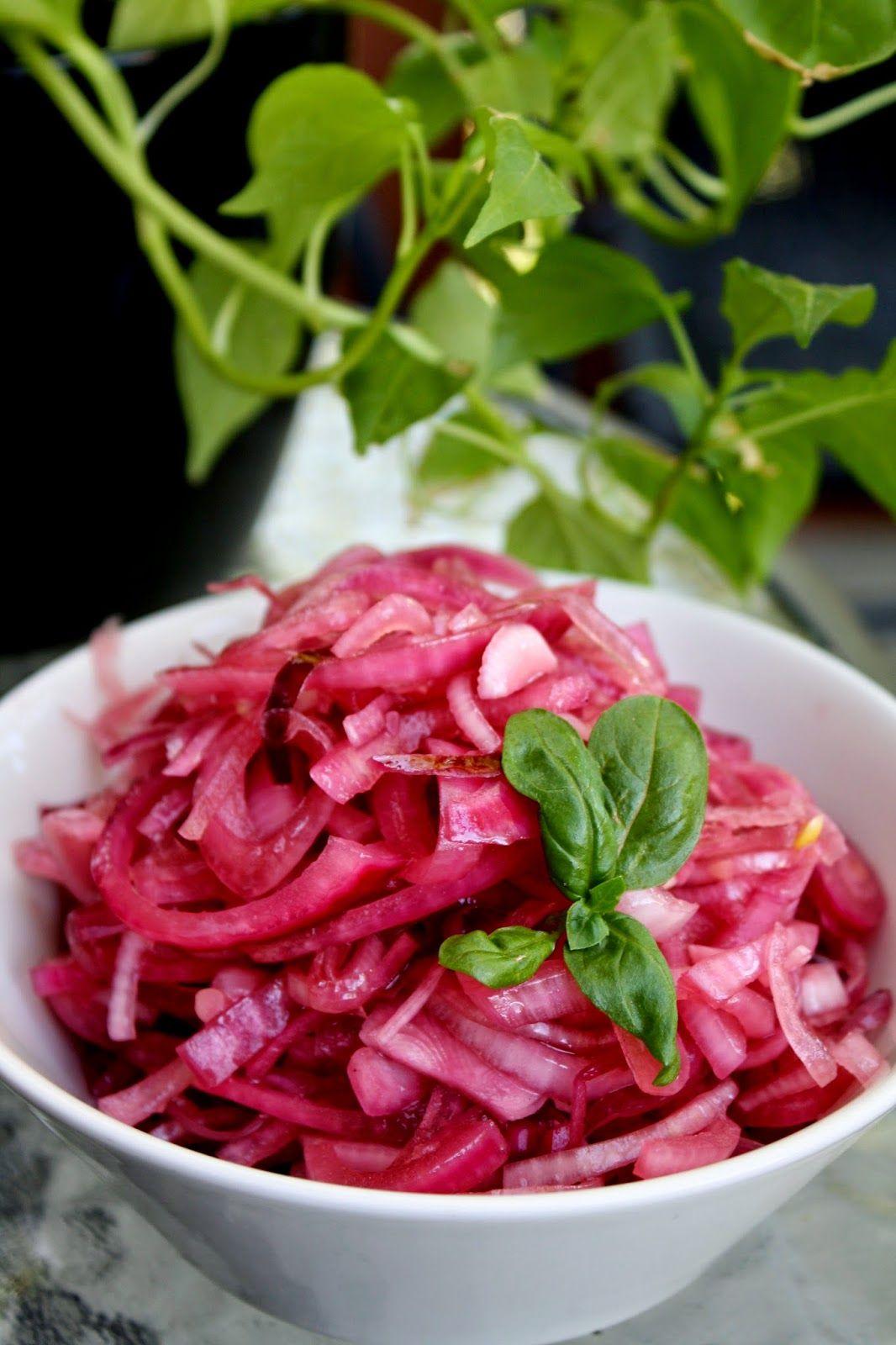 Cebicin keittiössä: Marinoitu punasipuli