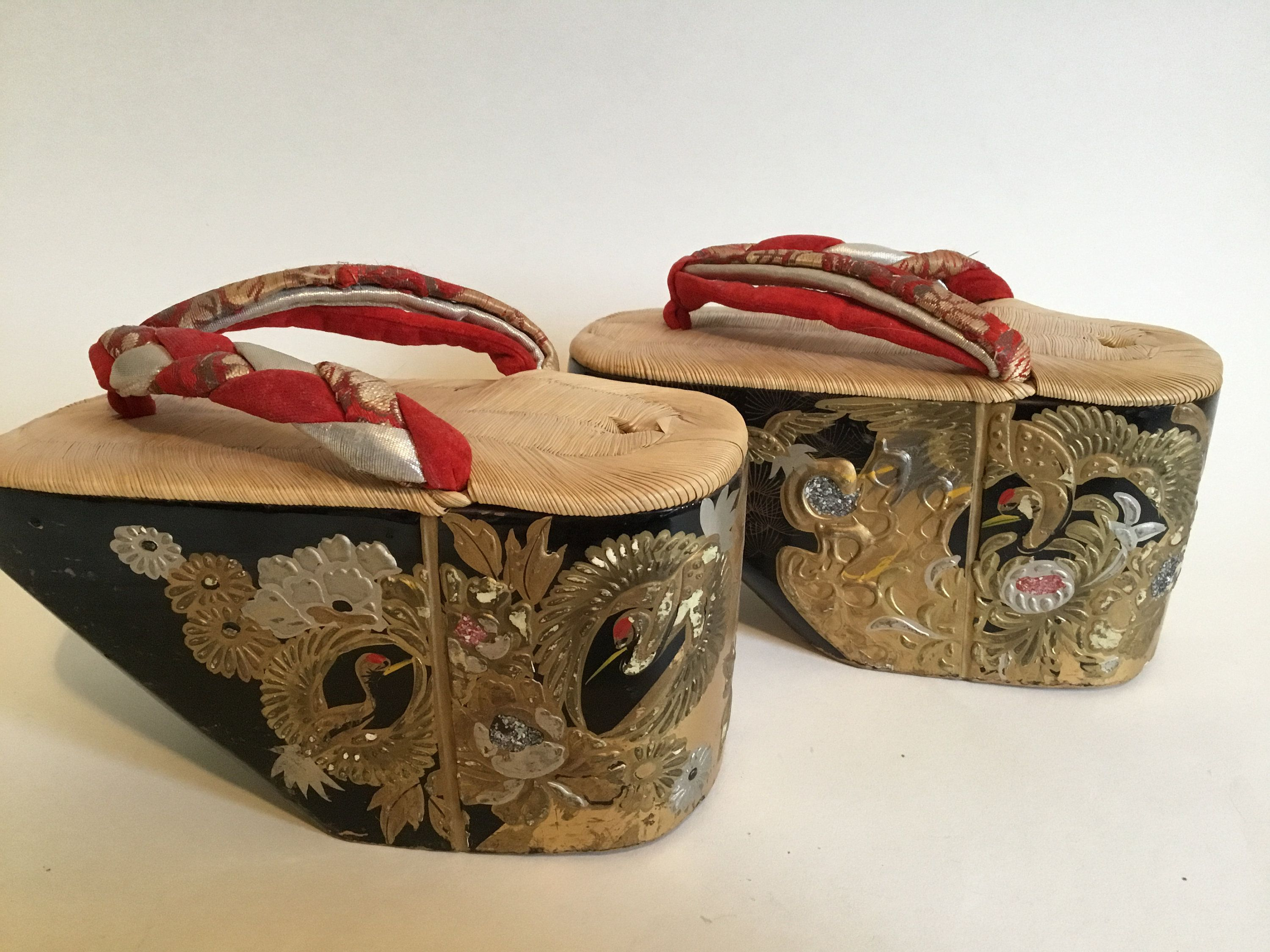 Vintage Pokkuri Japanese Maiko S Wooden Lacquered Shoes By Thesinkingcanoe On Etsy Wooden Shoes Vintage Antiques Vintage