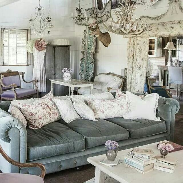 50 Cool And Creative Shabby Chic Dining Rooms: The Blue/gray Hues Are Really Nice. The Prairie