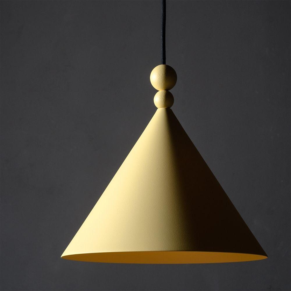 Pendelleuchte In Kegelform Farben Im Bauhaus-Stil