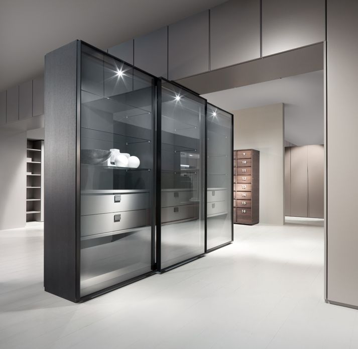 Atlante wardrobe with wind sliding doors in tempered for Brown sliding glass doors