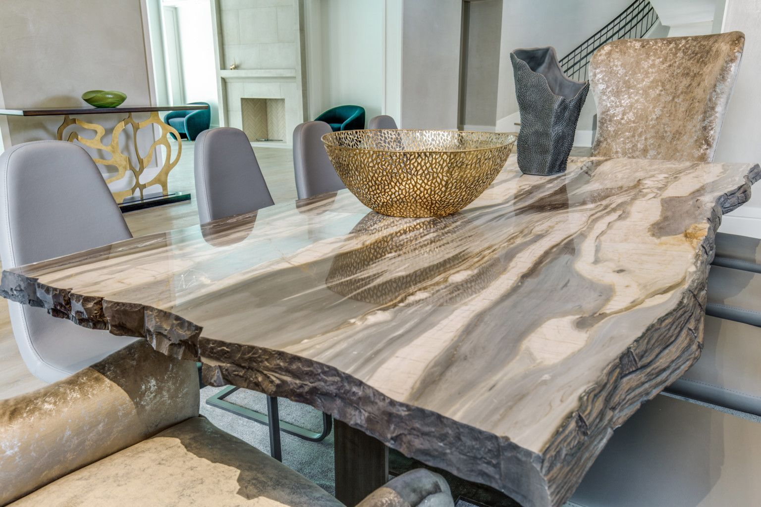 Calacatta Cielo Marble Table And Dining Room Aria Stone Gallery Marble Table Wood Dining Room Table Dining Table #stone #living #room #tables