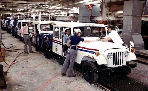 Am General Jeep Dj 5c 1974 The Jeep Dj Series Or Dispatcher Jeep