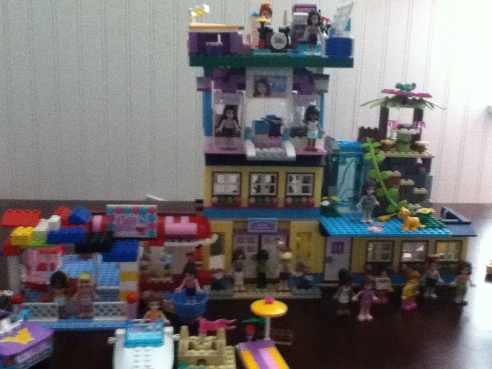 Lego Friends School Cafe Beauty Salon Mias Bedroom Emmas Art