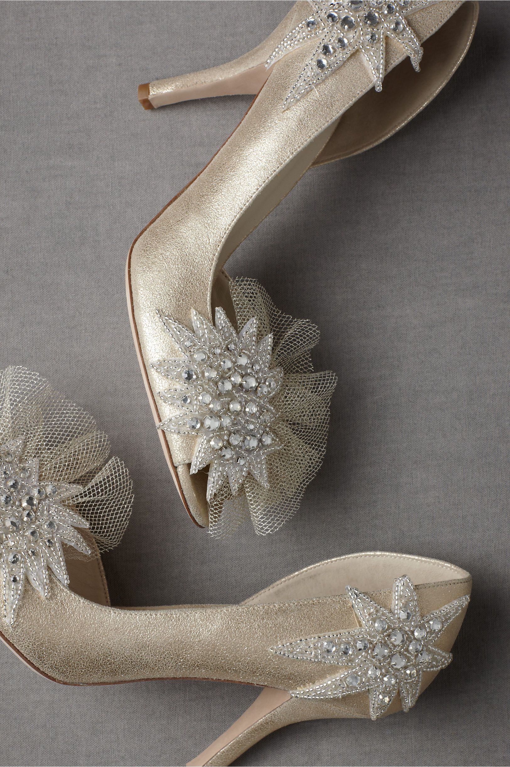 Perfect bridal shoes for the glamorous 1950s style vintage bride. By Bettye Muller.