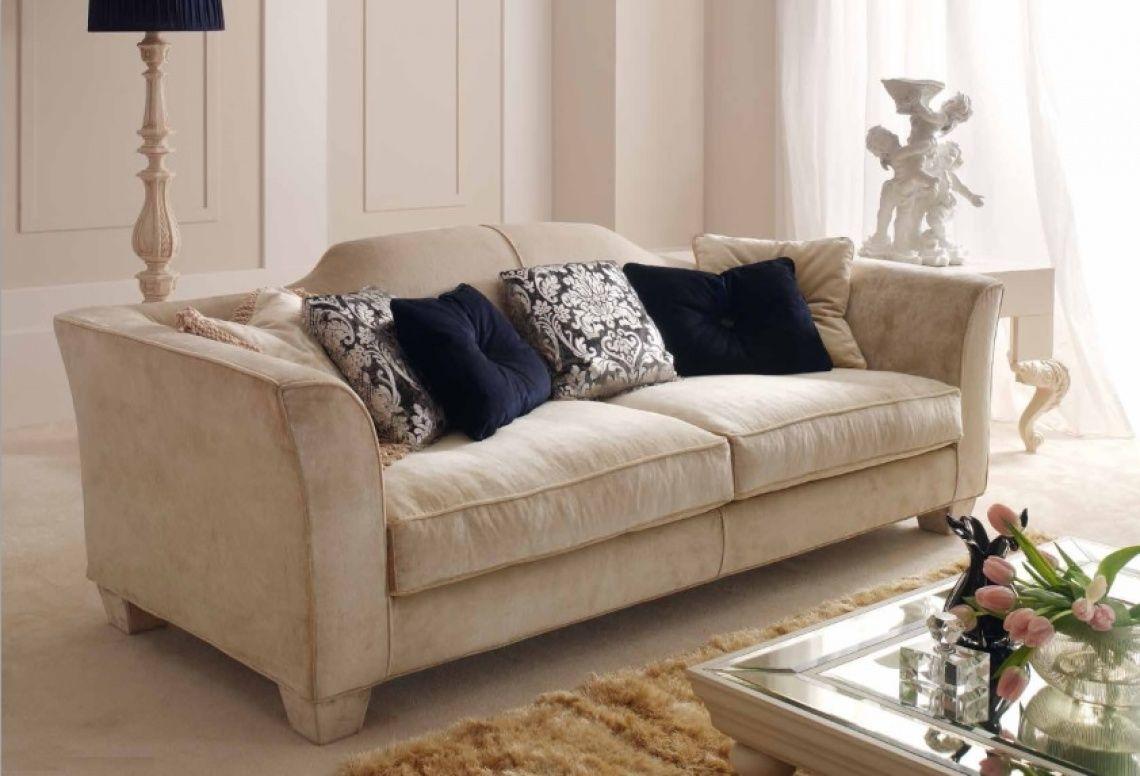 626 Elegante Sofa En Terciopelo Con Cojines De Decoracion
