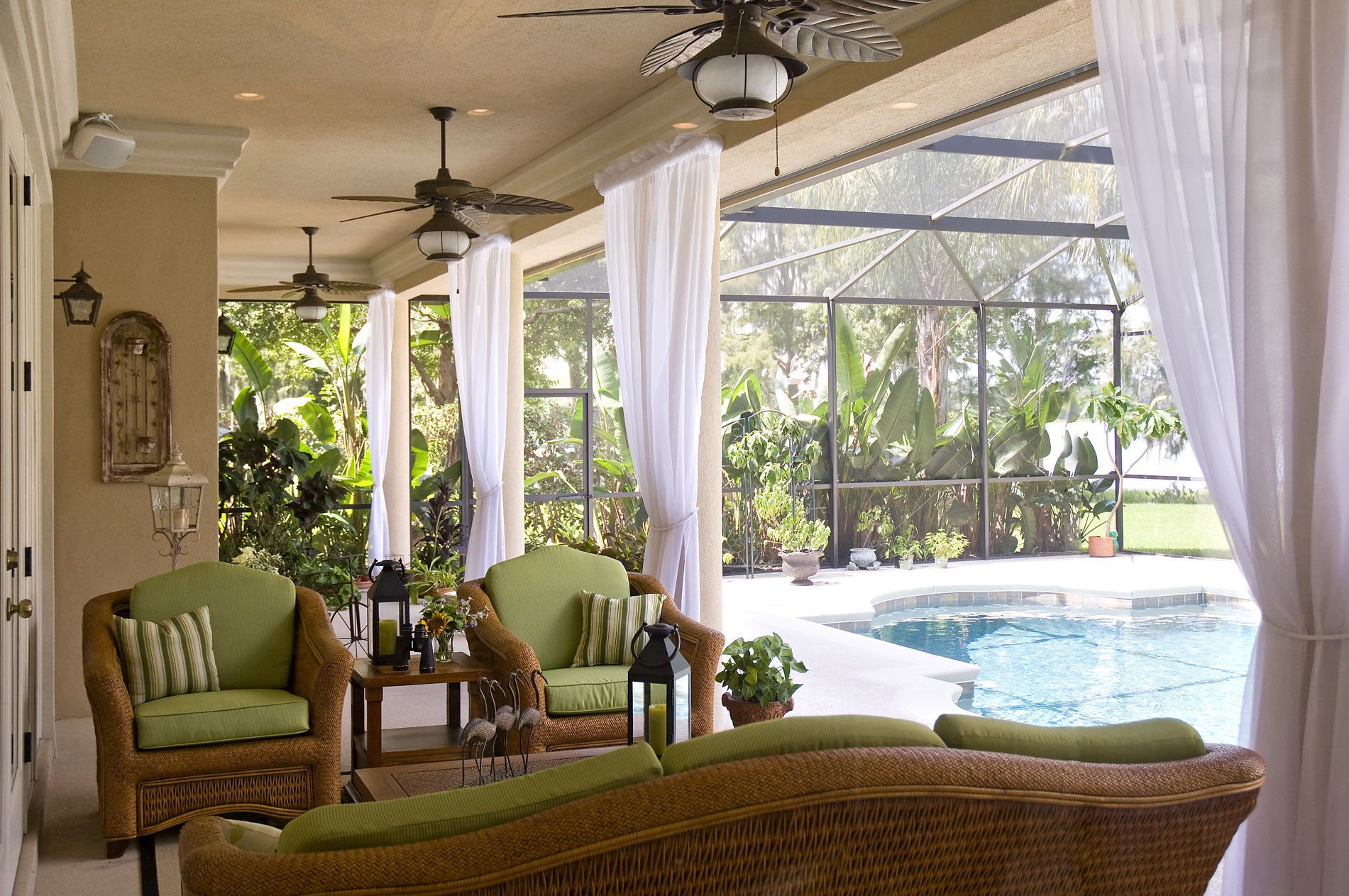 Heidi Sowatsky S Decorating Blog Sunroom Decorating Lanai Decorating Pool Decor