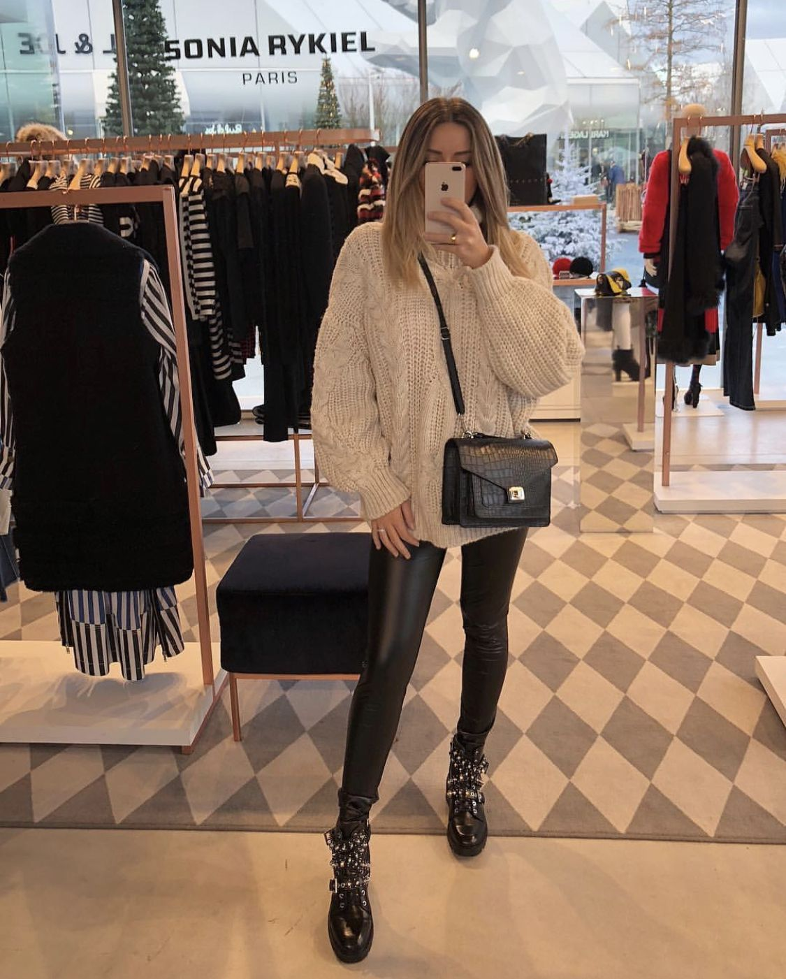 idées inspiration tenues automne-hiver #lifestyle #fashion #mode #trendy @bebadass @christmas @inspiration #outfitgoals
