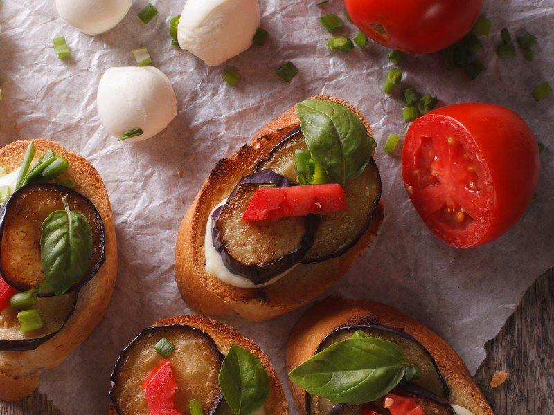 Tartines d'aubergines, tomates et mozzarella | Recette ...