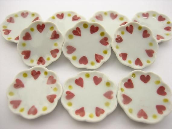 10x20mm Red Heart Paint Plate Dish Dollhouse Miniature Ceramic Supply 12819