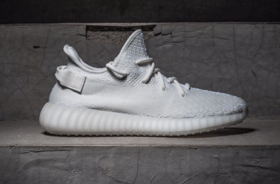 Another Look At The 2018 adidas Yeezy Boost v2 30 v2 Boost Blanco   Zapatos 2d5d23