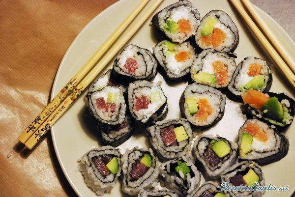 Sushi California Roll Fácil Receta Comida Japonesa Sushi Recetas Recetas De Comida
