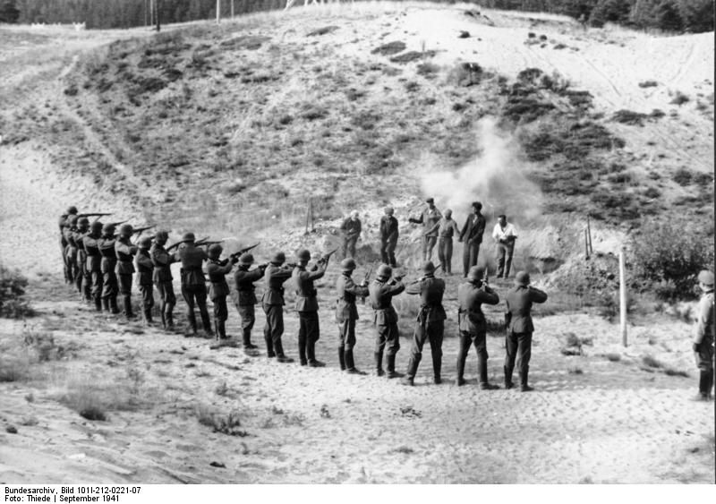 Execution of partisans by German soldiers, September 1941