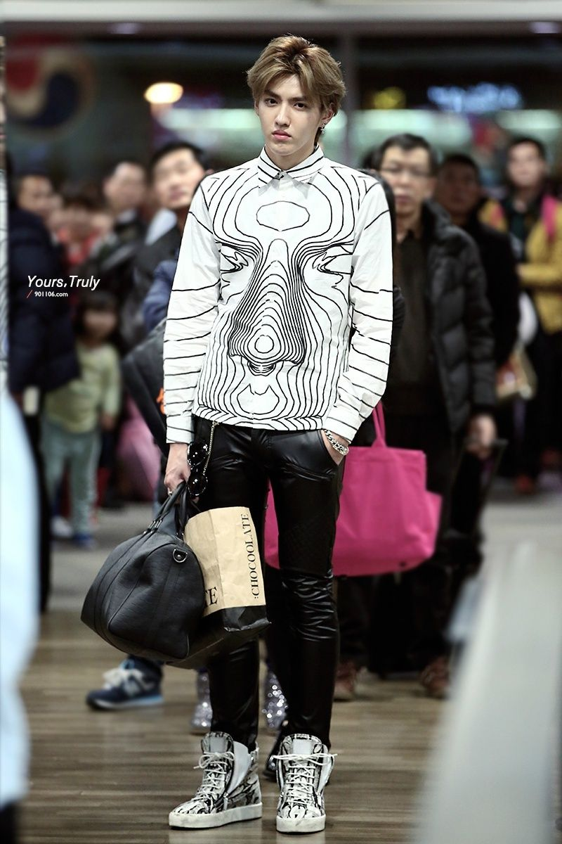 Kris (Wu Yifan) #airport #fashion #exo | We are one EXO ใน ...