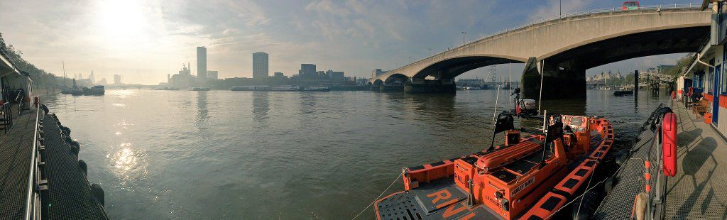 #London in the morning #thames #Themse