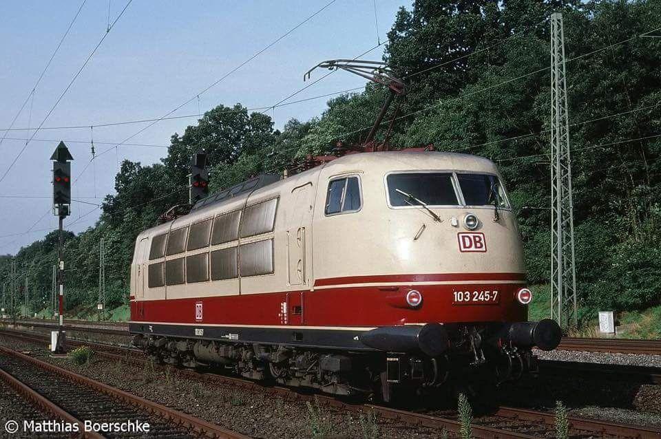 Pin von Rocky auf Trains Eisenbahn, Lokomotive, Bundesbahn
